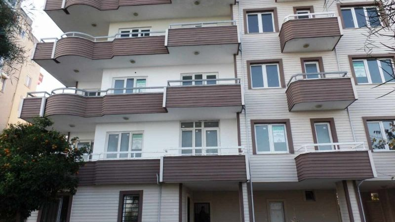Osmaniye Merkezde 6 katlı bina icradan satılıktır