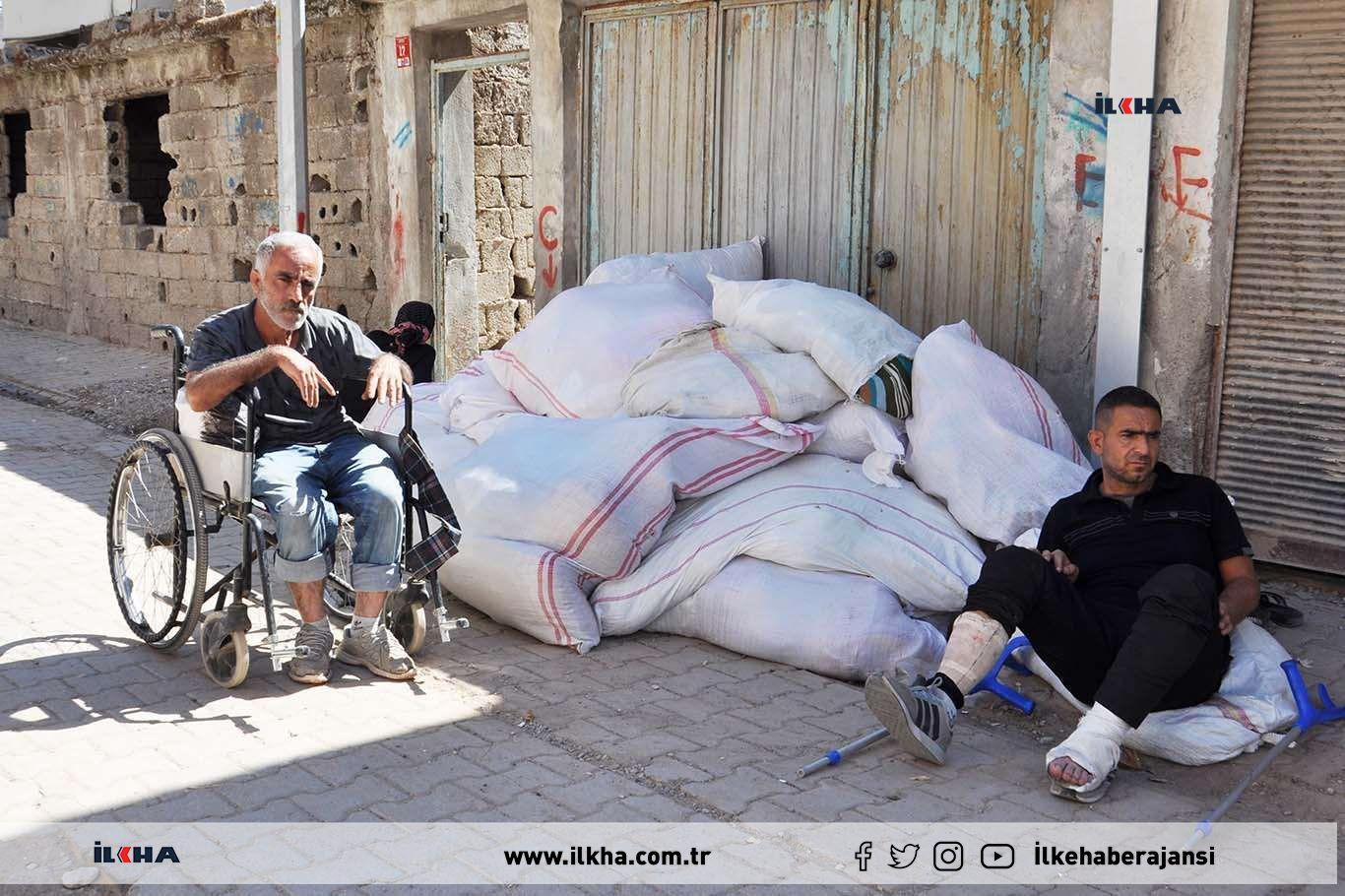 Batman'da 5 engelli çocuğu ile evsiz kalan aile yardım bekliyor