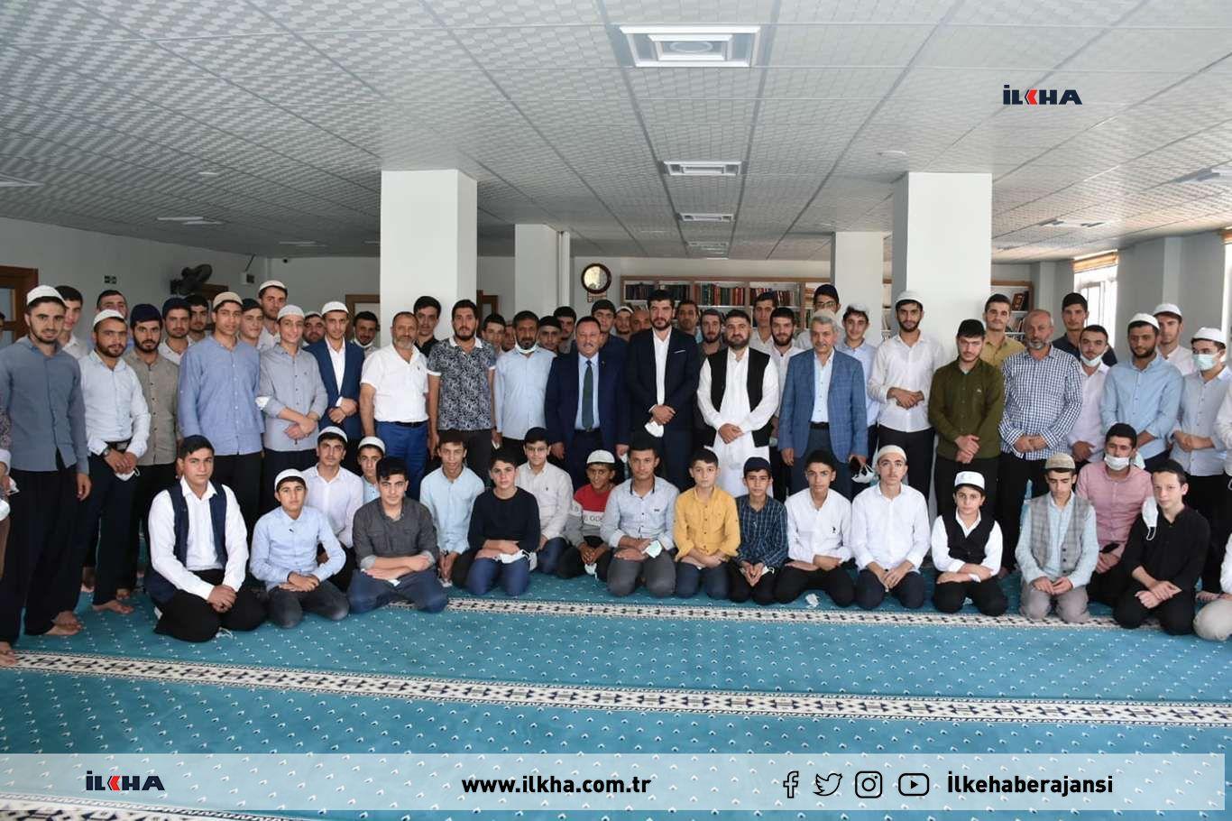 Bağlar Belediye Başkanı Beyoğlu hafız öğrencilerle buluştu