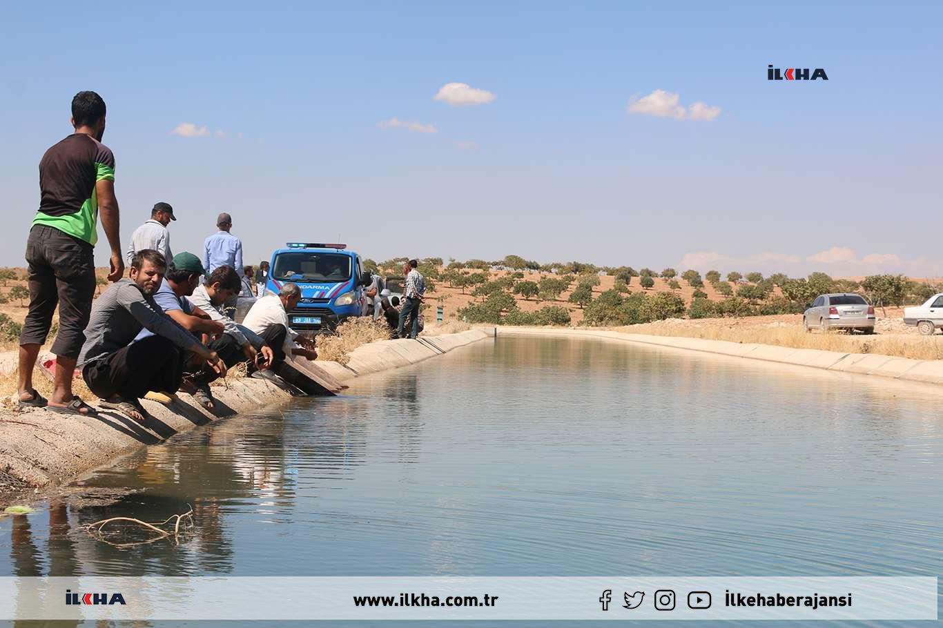 Yanı başlarındaki sulama kanalından istifade edemeyen çiftçiler eylem yaptı