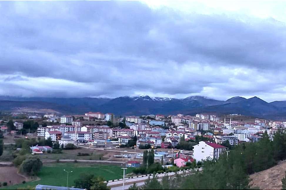 Zigana Dağlarına yılın ilk karı yağdı