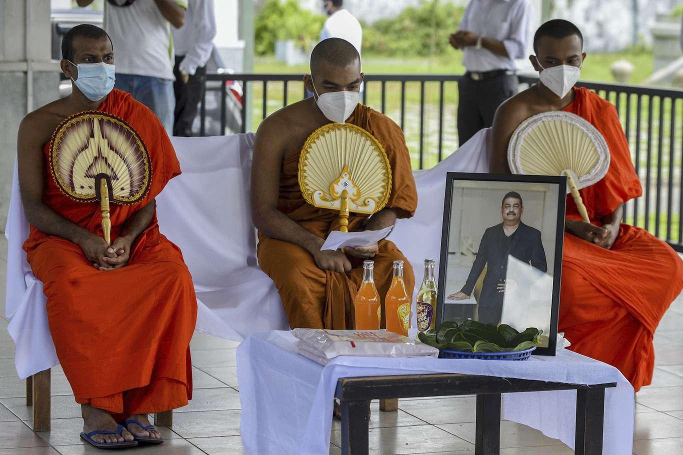 Salgını durduracağını ileri süren Hindu büyücü Covid-19dan öldü
