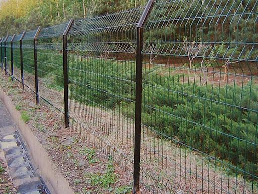 Arazi hazırlığı, tel çit ihata ve aplikasyon hizmeti alınacaktır