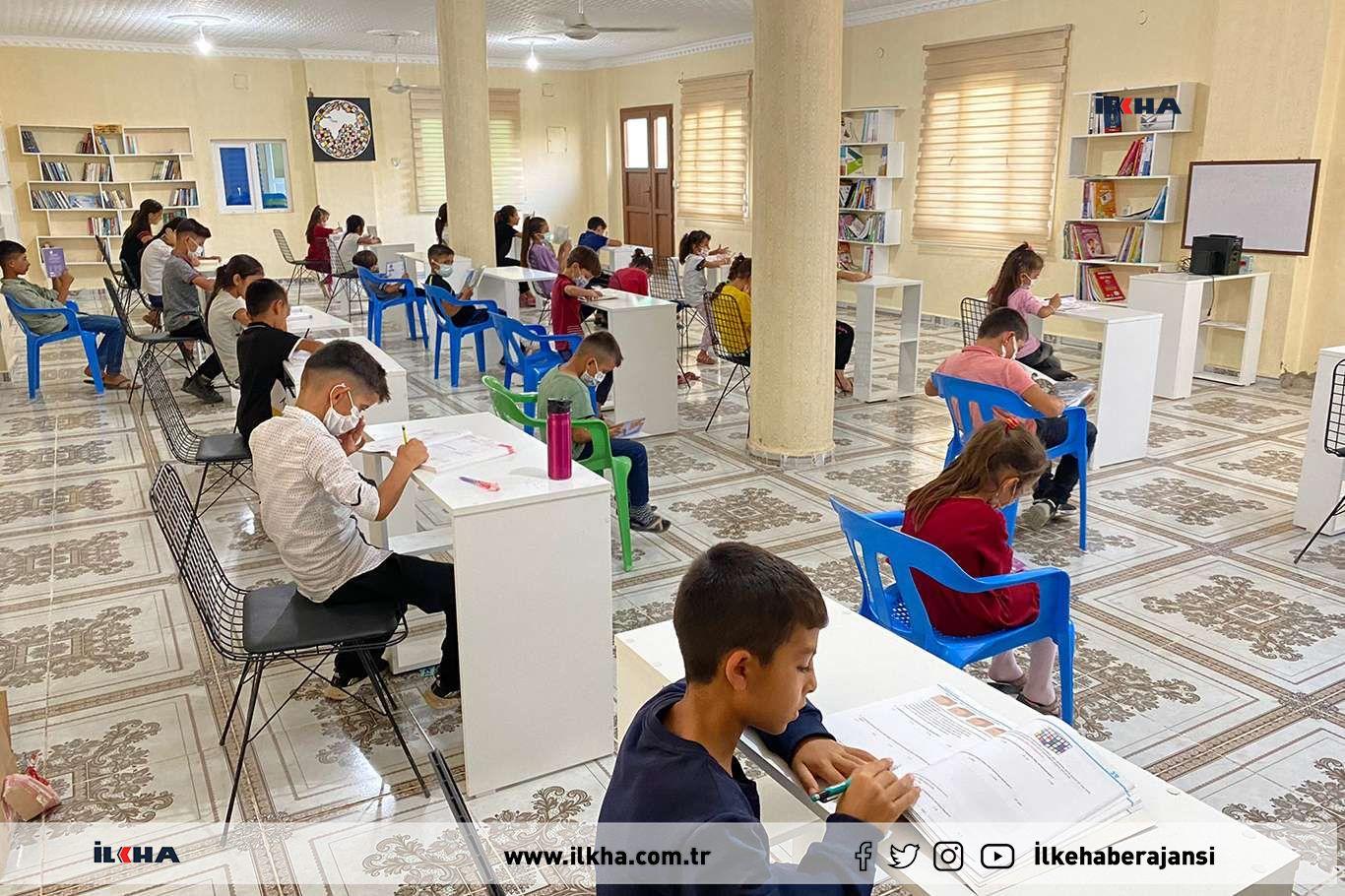 Taziye evini kütüphaneye çevirerek mahallenin kütüphane ihtiyacını giderdiler