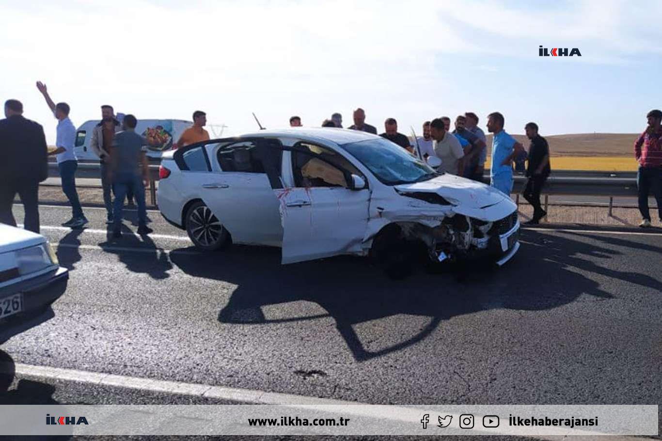 Şanlıurfada otomobile silahlı saldırıda baba öldü oğlu ağır yaralandı